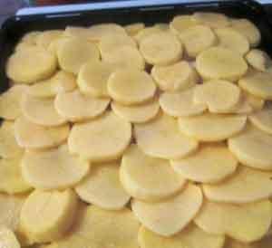 Свинина, запеченная с картофелем