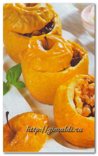 Яблоки с орехами и изюмом