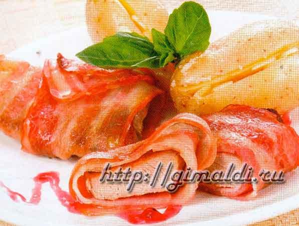 Мясо в беконе