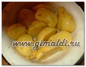 Куриные окорочка, запеченные с картофелем