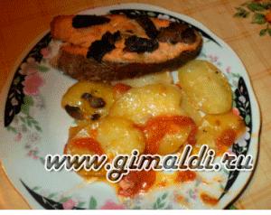Форель запеченная на картофеле