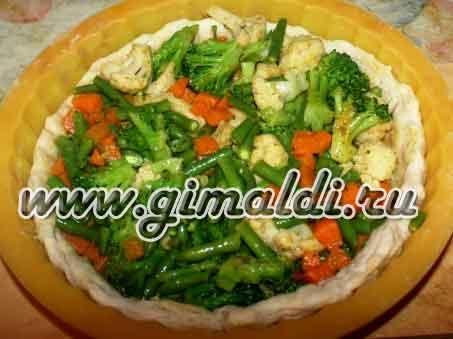 Пирог с замороженными овощами