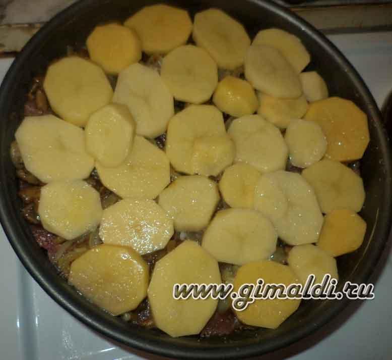 Мясо с опятами в картофельной обложке