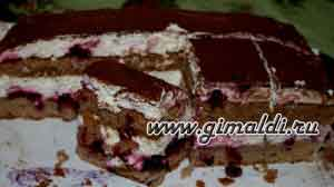 Торт с творожным кремом и смородиной
