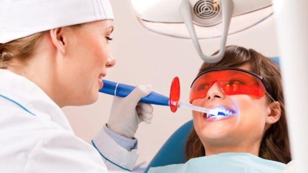 Эффективное отбеливание зубов в клинике