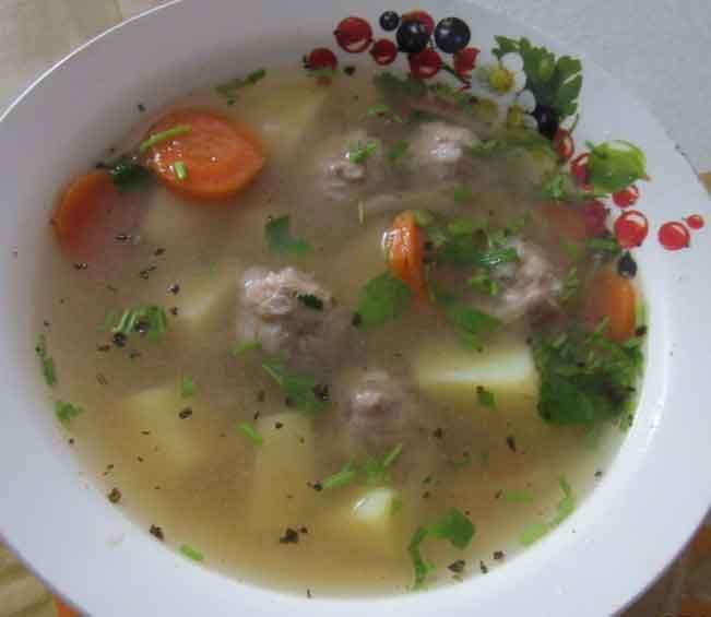 суп с шариками из фарша с рисом