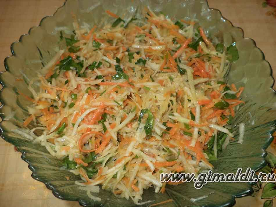 Салат с кольраби