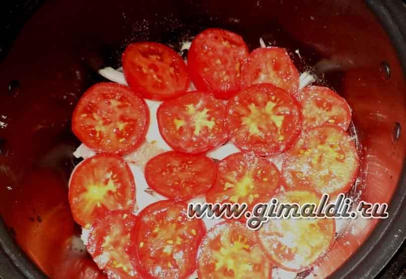 Сом тушенный с помидорами в мультиварке